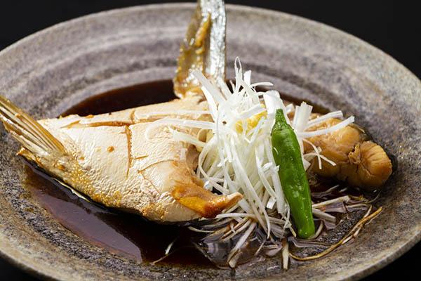 寒鰤かまの煮つけ 茨城 水戸 梅み月 グランドメニュー